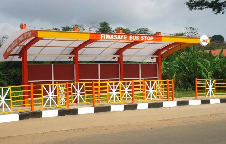 Fiwasaye-Bus-shelter